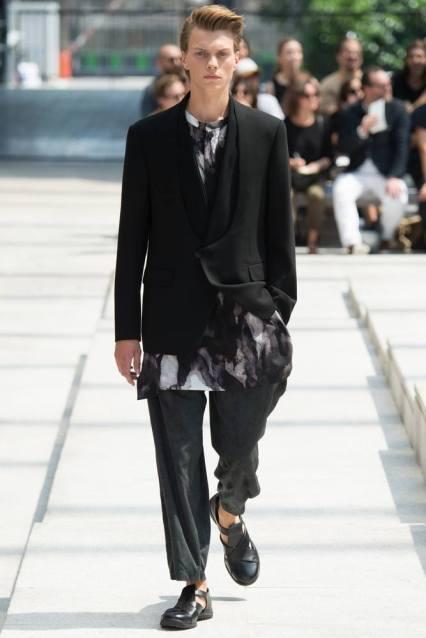 Issey Miyake Men Spring Summer 2017 Menswear Collections in Paris Fashion Week #PFW
